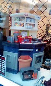 Childrens toy kitchen set