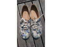 Ladies Hotter floral print canvas shoes size 5