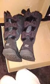 Uggs 4.5 rare tall Bailey knit bows