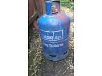 12 KG CALOR GAS BOTTLE (STILL SOME GAS IN) FOR SALE. COULD DELIVER.