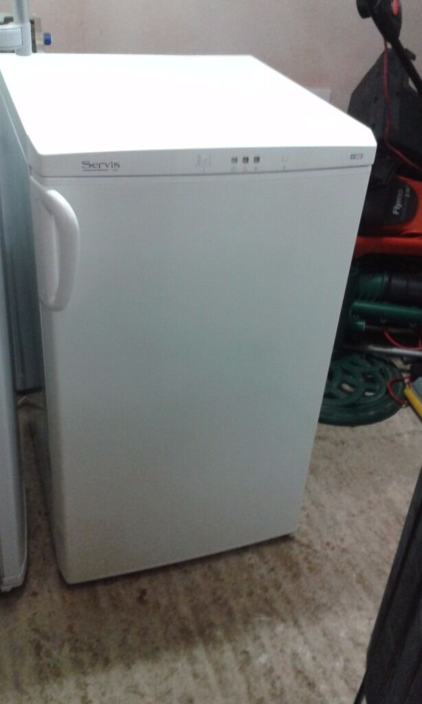 **JAY'S APPLIANCES**SERVIS**UNDERCOUNTER FREEZER**VERY GOOD CONDITION**DELIVERY**4 DRAWS**BARGAIN!!*