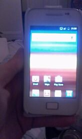 Samsung galaxy ace £30ovno
