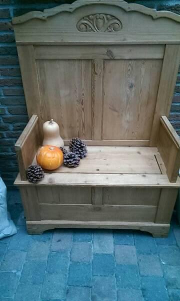 sehr alte holz truhenbank antik in nordrhein westfalen eschweiler st hle gebraucht kaufen. Black Bedroom Furniture Sets. Home Design Ideas