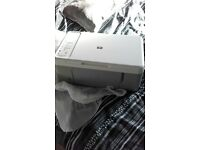 PRINTER Hewlett Packard Desktop F2280 All in one printer, comes with all wires but no instructions.
