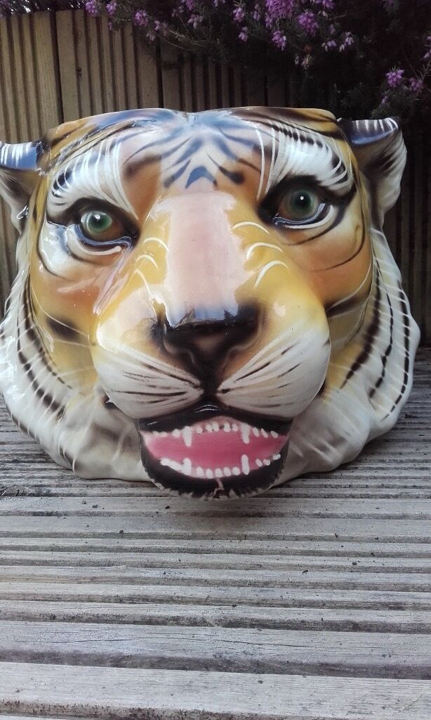 Lion Amp Tiger Planter Garden Pot In Cleckheaton West