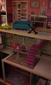 ELC Dolls house Barbie Mansion la belle maison