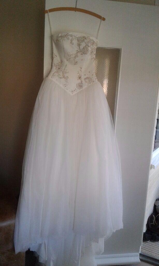 Pronuptia paris wedding dress,size 8 (36)champagne colour,dry ...