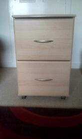 Storage Cabinet/ Filing Cabinet. Two large drawers. Suspended files included. Oak Wood