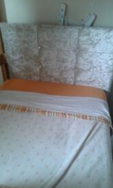 Single bed in excellent conditions