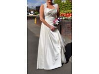 BEAUTIFUL DESIGNER WEDDING DRESS SIZE 12-14