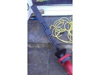 POWER DEVIL 450WATTS HEDGE CUTTER / TRIMMER 400MM SHARPE BLADE & VERY LONG CORD SAFETY COVER /CAP.
