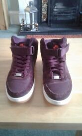 Nike Air Trainers Size 6