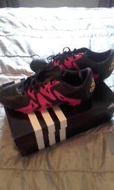 Unusexaddudas football boots size 4