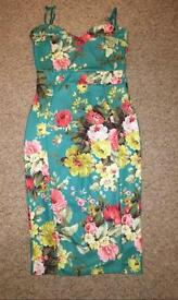 Flowery green dress, size 12-14