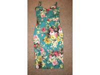 Flowery green dress, size 12-14