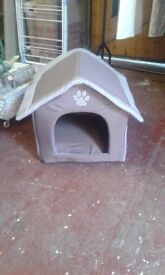 Dog bed excellent condition