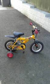 Raleigh Atom Boys Bike with stabilisers