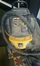 Dewalt 240v M class dust extractir