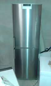 '**SIEMENS**FRIDGE FREEZER**ONLY £220**BARGAIN**MORE AVAILABLE**COLLECTION\DELIVERY**'