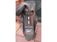 Nike golf bag charcoal grey with white trim (2nd hand)