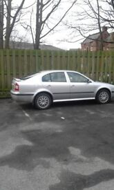 Skoda Octavia 1.6 5door petrol , manual Imaculate cond, low mileage FSH 1 owner