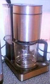 10 CUP COFFEE MAKER WITH INBUILT FILTER