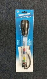 Anti-freeze tester. 7c to -37c. Disc-type tester with plastic body and rubber bulb.