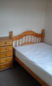 Small double room, rent inc bills