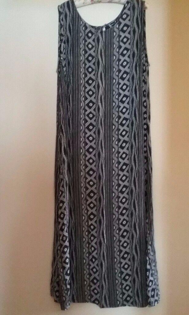 Dash Aztec Print Dress Size 22