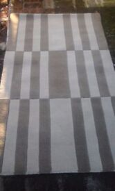 Good quality Wool Rug (Brown and Beige) For Sale