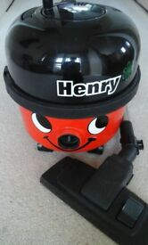 Henry Vacuum Cleaner (red)
