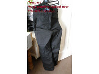 trespass waterproof / windproof over trousers size L