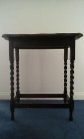 OAK SIDE/ END TABLE- ANTIQUE- BARLEY TWIST LEGS