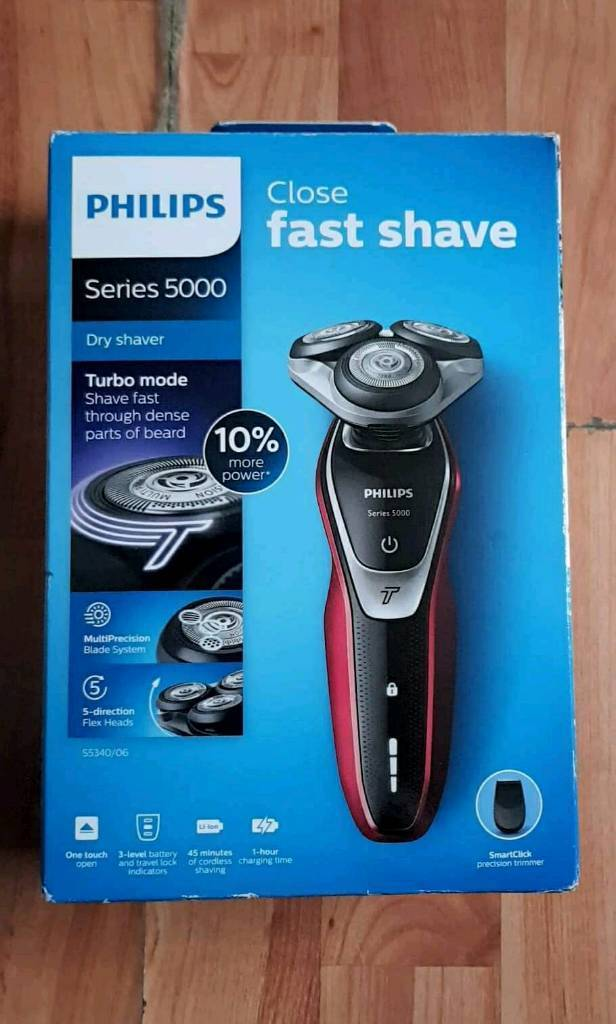 Phillips Series 5000 dry shaver