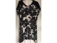 'Next' black/white tunic top