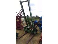 RIPOVATOR FL1500 TRACTOR FORKLIFT 1.5 TON WITH SIDE SHIFT.