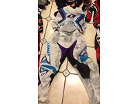 Size small adults. Teenager motocross Suit kit Top Bottoms