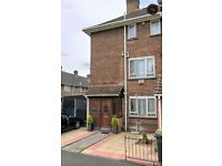 Private landlord! 4 bedroom house with garden and parking available now