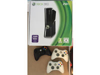Xbox 360 (S) Console 250GB + 3 controllers + 21 games