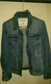 Small (36-38 size)Denim fade Blue Burton Jacket