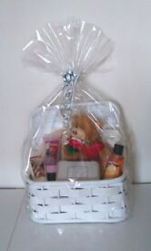 LADIES CHRISTMAS GIFT BASKET