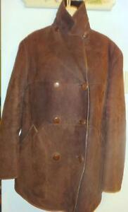 """Womens L Sheepskin Coat 14 16 fits 40 42"""" chest // Vintage warm loose and comfy // Dark Brown / 100% Shearling // Loose"""