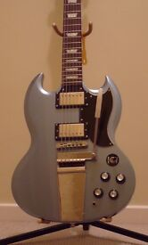 Epiphone SG with maestro trem (Limited Edition) and quality hard case