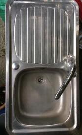 Stainless steel single drainer kitchen sink