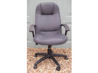 Large Swivel Computer / Office Chair