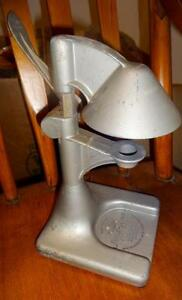 JUICER-KING-Fruit-Squeezer-Drink-Maker-National-Chicago-Illinois-Vintage-Retro