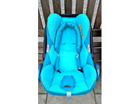 Two Maxi Cosi car seats (group 0) in perfect condition