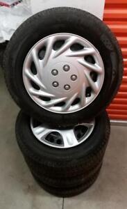(H151) Pneus Hiver - Winter Tires 215-60-16 Michelin 7-8/32