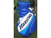 Mizuno Golf Bag With top rain cover . In very good clean condition.