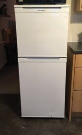 Beko Fridge freezer - 2 shelf freezer 3 shelf fridge
